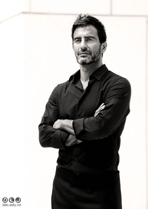 Marc Jacobs giữ chức giám đốc sáng tạo của Luois Vuitton khi ông mới 21 tuổi