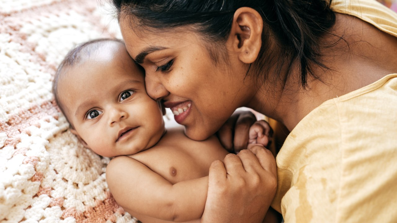 Baby cues & baby body language: a guide | Raising Children Network