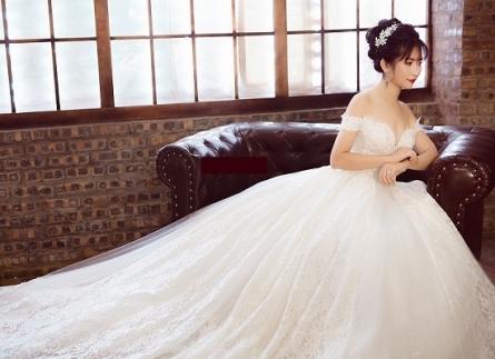chọn váy cưới cho cô dâu gầy